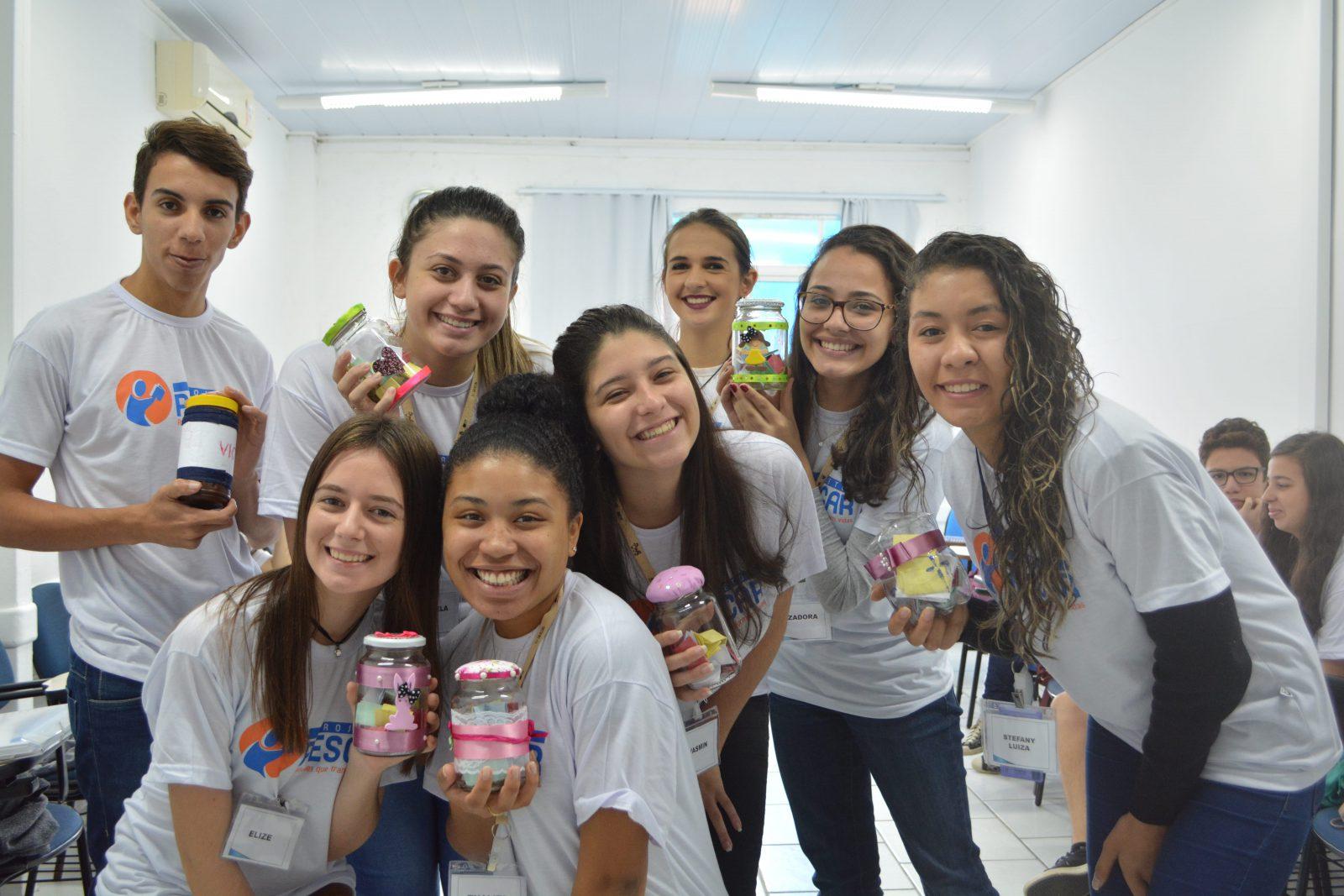 Unidade Projeto Pescar Aemflo e CDL São José - Jovens exercitam a gratidão