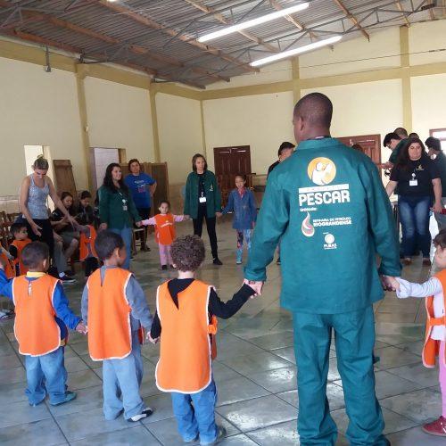 Unidade Projeto Pescar Refinaria de Petroleo Riograndense - Ação de páscoa