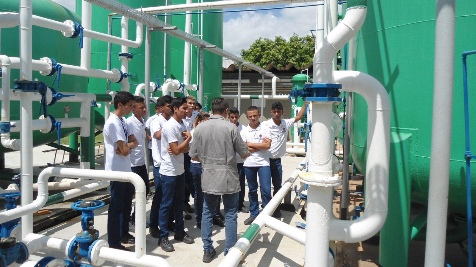 Unidade Projeto Pescar Vicunha Têxtil - Jovens em visita técnica